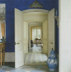 Bunny Mellon's NYC upper east side pied à terre - fabulous floors and enfilade of rooms South Shore Decorating, Foyer Decorating, Interior Decorating, Interior Design, Decorating Ideas, French Interior, Upper East Side, East River, Dining Room Furniture Design