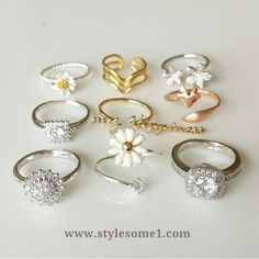 Www.stylesome1.com check this out !!! Piercings Na Orelha, Baby Bling, Cute Rings, Love Ring, Cute Jewelry, Jewelry Rings, Jewelry Box, Ring Necklace, Beautiful Rings
