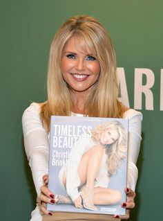 Christie Brinkley Photos - Christie Brinkley Signs Copies of 'Timeless Beauty: Over 100 Tips, Secrets, and Shortcuts to Looking Great' - Zimbio