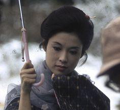 若尾文子さん 昭和の女優さんの和装ヘアが素敵です。