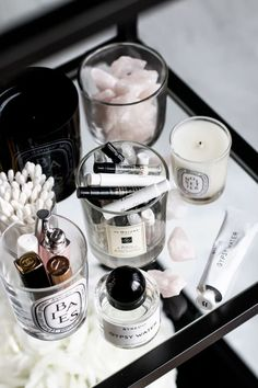 Tips for repurposing your candle jars + keeping them clean - Makeup Room İdeas Perfume Organization, Vanity Organization, Makeup Storage, Organization Ideas, Dressing Table Organisation, Storage Ideas, Vanity Decor, Diy Vanity, Vanity Ideas