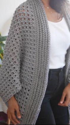 Chunky Crochet, Knit Or Crochet, Free Crochet, Crochet Bolero, Crochet Cardigan Pattern, Crochet Patterns, Tricot Simple, Easy Crochet Stitches, Crochet Patron