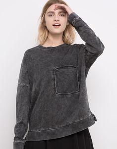 Pull&Bear - woman - sweatshirts - faded sweatshirt with pocket - faded black - 05591326-V2016