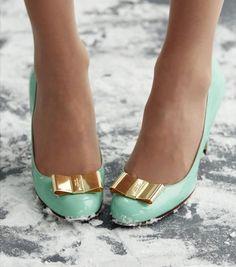 liebelein-will: Schuhe - mint - Hochzeit - Pumps - gold