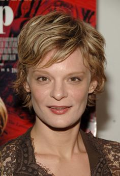 Martha Plimpton, Roseanne Show, Raising Hope, Sara Gilbert, Actrices Hollywood, Blonde Bobs, Hair Dos, Famous People, The Outsiders