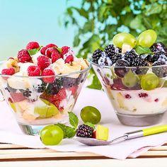 Gesunder Obstsalat mit Quarkcreme zum Abnehmen. www.ihr-wellness-magazin.de