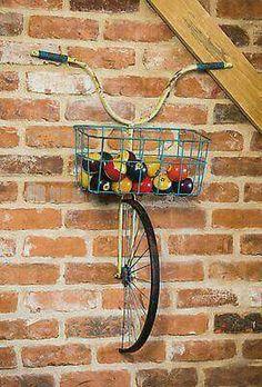 Evergreen Enterprises, Inc Front Basket Metal Bicycle and Planter Wall Decor – diy decoration Diy Casa, Deco Originale, Creation Deco, Bike Art, Yard Art, Diy Home Decor, Decoration Crafts, Room Decorations, Recycled Home Decor