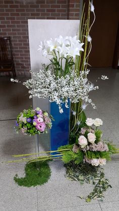 승천대축일 작품입니다 Table Flowers, Floral Wreath, Wreaths, Table Decorations, Furniture, Home Decor, Home, Floral Arrangements, Flowers