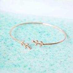 Majolie - Bracelet Jonc Lasso Or - Retrouvez des bijoux fins et délicats à petits prix sur l'e-shop tendance du moment: www.merci-majolie.com