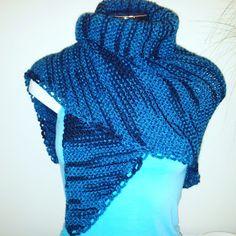 A Cor da Lã: Xaile em tricot bem quentinho e fofinho em tons de azul Easy Knitting, Knitting Needles, Crochet Shawl, Knit Crochet, Knitted Blankets, Ideias Fashion, Scarves, Crochet Patterns, Clothes