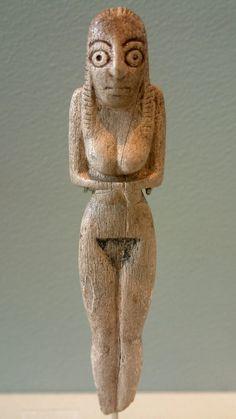 Estatuilla de marfil. Egipto Predinástico. Museo del Louvre. Guillaume Blanchard, 2004