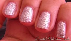 sparkly short pink nails