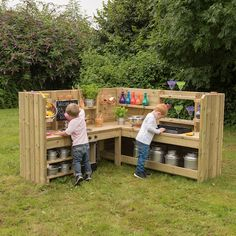 This high quality, sturdy kitchen unit fits perfectly into a corner. Outdoor Play Kitchen, Mud Kitchen For Kids, Outdoor Play Spaces, Kids Outdoor Play, Outdoor Learning, Backyard For Kids, Outdoor Toys, Outdoor Fun, Outdoor Classroom