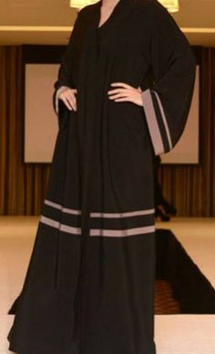 Niqab Fashion, Fashion Outfits, Abaya Designs Dubai, Burqa Designs, Hijab Trends, Mode Abaya, Hijab Fashionista, Muslim Women Fashion, Hijabs