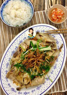 Ayam Jahe Kukus – Cooking with Sheila Cantonese Food, Asian Recipes, Ethnic Recipes, Hot Dog, Japchae, Seafood, Cooking Recipes, Chinese Food, Dan