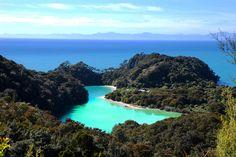 Frenchman Bay, Abel Tasman National Park, New Zealand.