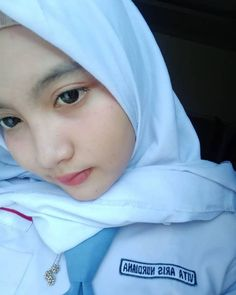 Cute Asian Girls, Cute Girls, Cool Girl, School Uniform Girls, High School Girls, Hijab Collection, Indonesian Girls, Girl Hijab, Hijab Chic
