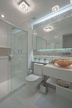 banheiro clean com pastilhas de vidro