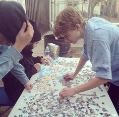 Puzzles. Puzzles are hard. They make you smart. Thomas is doing a puzzle. The puzzle is big. Thomas is smart. Work Thomas, work!