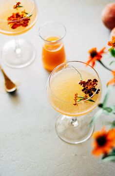 the peach blossom | a cocktail inspired by a flower farm tour at deer tree farm Smoothie Recipes, Drink Recipes, Smoothies, Ripe Peach, Peach Blossoms, Cocktail Recipes, Cocktail Ideas, Flower Farm, Edible Flowers