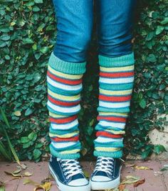 These pretty striped leg warmers will keep your legs warm and improve your mood on Knitting Patterns, Crochet Patterns, Leg Warmers, Knit Crochet, Pure Products, Legs, Vmin, Projects, Leg Warmers Outfit