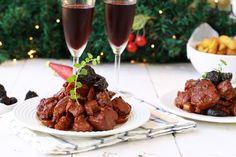 Χοιρινό με δαμάσκηνα για τα Χριστούγεννα   Cool Artisan Beef, Food, Meat, Essen, Meals, Yemek, Eten, Steak