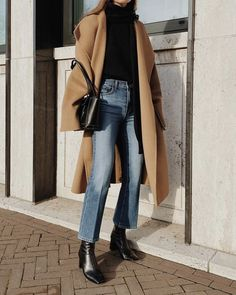 Mantel tragen, Casual Outfit Damen # Casual Outfits going out blouses Mantel Outfit Winter Fashion Outfits, Fall Winter Outfits, Look Fashion, Autumn Winter Fashion, Womens Fashion, Fashion Trends, Fall Fashion, Modern Fashion Outfits, 40s Fashion