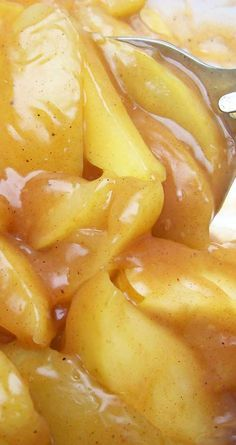 Recipe for Copycat Cracker Barrel Fried Apples - These are close as I have seen to what you can get at Cracker Barrel. Just like what I grew up eating. Apple Recipes Easy, Fruit Recipes, Side Dish Recipes, Cooking Recipes, Side Dishes, Recipes For Apples, Easy Cooking, Vegetable Recipes, Salad Recipes