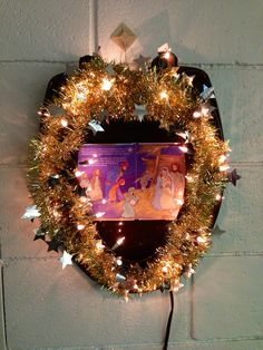 #15 - Gold sparkly nativity scene themed toilet seat wreath