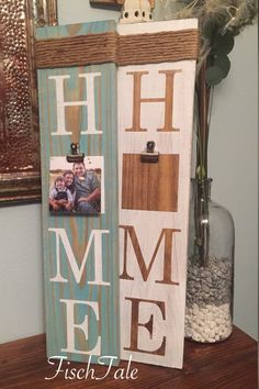 Picture Frame Sign - Welcome - Family sign - Home sign with family picture - Wooden home sign - home wooden sign - family is home crafts gifts crafts crafts Home Wooden Signs, Diy Wood Signs, Home Signs, Pallet Signs, Family Wooden Signs, Outdoor Wood Signs, Vintage Wood Signs, Family Signs, Cadre Photo Diy