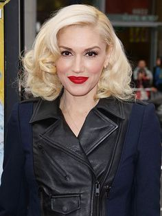 Gwen Stefani's curled, side-parted long bob | allure.com