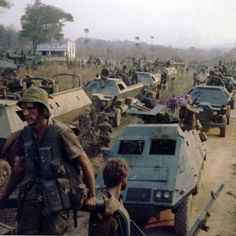 Possibly the raid on Chimoio? Story Of Jacob, Army Day, Defence Force, All Nature, Military Police, Armored Vehicles, Special Forces, Cold War, Military History