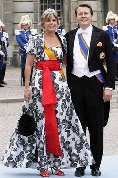 Emma's Diamanten Bloementiara - prinses Laurentien in 2010 tijdens het huwelijk van prinses Victoria van Zweden, 2010. Copyright PPE/Niboer