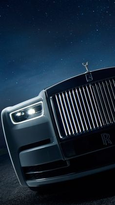 Phantom is the signature Rolls-Royce iconic and experience explanation of the modern motor car . Auto Rolls Royce, Voiture Rolls Royce, Rolls Royce Logo, Rolls Royce Motor Cars, Rolls Royce Wallpaper, Hd Wallpaper Iphone, Car Wallpapers, Mobile Wallpaper, Wolf Wallpaper