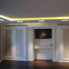 Hotel Palace Konferenzraum, #Medienschrankwand mit weiß lackierten Füllungstüren