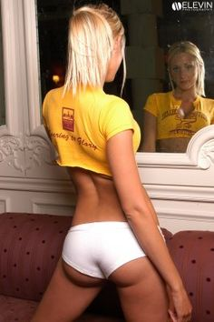 Very Sexy College Girls Plus One Of The Best College Strip Teases You've Ever Seen Hot Girls, Crazy Girls, College Girl Outfits, College Girls, Ncaa College, Boston College, Photos Of Women, Girl Next Door, Sport Girl