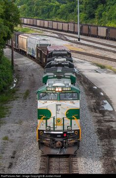 RailPictures.Net Photo: NS 8099 Norfolk Southern GE ES44AC at Chattanooga, Tennessee by Jordan Hood