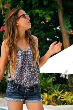 flowy shirt tucked in, long summer hair and some shades.I want summer back Check out the website to see Cute Summer Outfits, Spring Outfits, Cute Outfits, Summer Clothes, Teen Fashion, Fashion Outfits, Womens Fashion, Sweater Weather, Long To Short Hair