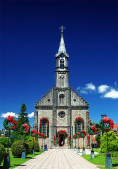 Church of S. Pedro, Gramado in Rio Grande do Sul - Brazil Rio Grande Do Sul, Places Around The World, Around The Worlds, Wonderful Places, Beautiful Places, Houses Of The Holy, Brazil Travel, Mexico Travel, Old Churches