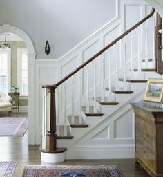 straight paneling from FR to mid stair