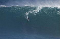 SURFE EM JAWS, NO HAWAII - Pra quem gosta de ondas gigantes, a opção é Jaws, no Havaí, mas prepare-se para tomar vários caldos.