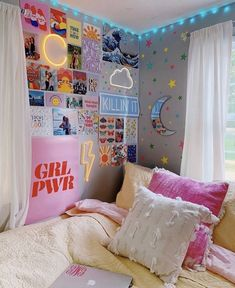 10 VSCO Bedroom Ideas for the VSCO Girl Vsco girl room ideas for the Vsco Gir: From HydroFlask, scrunchies, collage wall & neon signs and everything else you need for a cute Vsco bedroom. - 10 VSCO Bedroom Ideas for the VSCO Girl