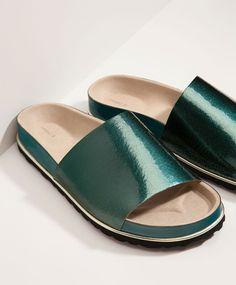 Les 86 meilleures images du tableau shoes sur Pinterest   Woman ... 0e545a5b599d