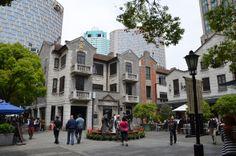 xian tian di, nouveau quartier de Shanghai http://turbigo-gourmandises.fr/escapade-a-shanghai-%E4%B8%8A%E6%B5%B7-2/