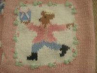Intarsia loom knitting