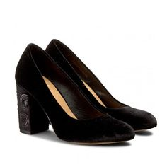 Pantofi de catifea cu toc gros mediu brodat Heeled Mules, Heels, Casual, Fashion, Heel, Moda, Fashion Styles, High Heel, Fashion Illustrations