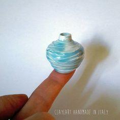 Guarda questo articolo nel mio negozio Etsy https://www.etsy.com/it/listing/493753123/vaso-in-ceramica-miniatura-modellata-al