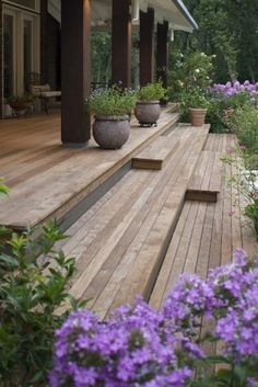 Like the wide decking steps