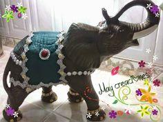 May creaciones : Elefantes en ceramica Elephant Home Decor, Elephant Nursery, Baby Prints, Nursery Prints, Elephant Sculpture, Colorful Elephant, Baby Posters, Home Decor Pictures, Clay Crafts