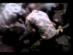 Soldado atormentado por supuesto fantasma, espiritu, demonio (Flash)